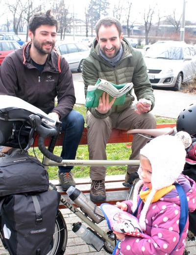 2018. március - Dani és Ádám útnak indul Pécsről Mongóliába kerékpárral